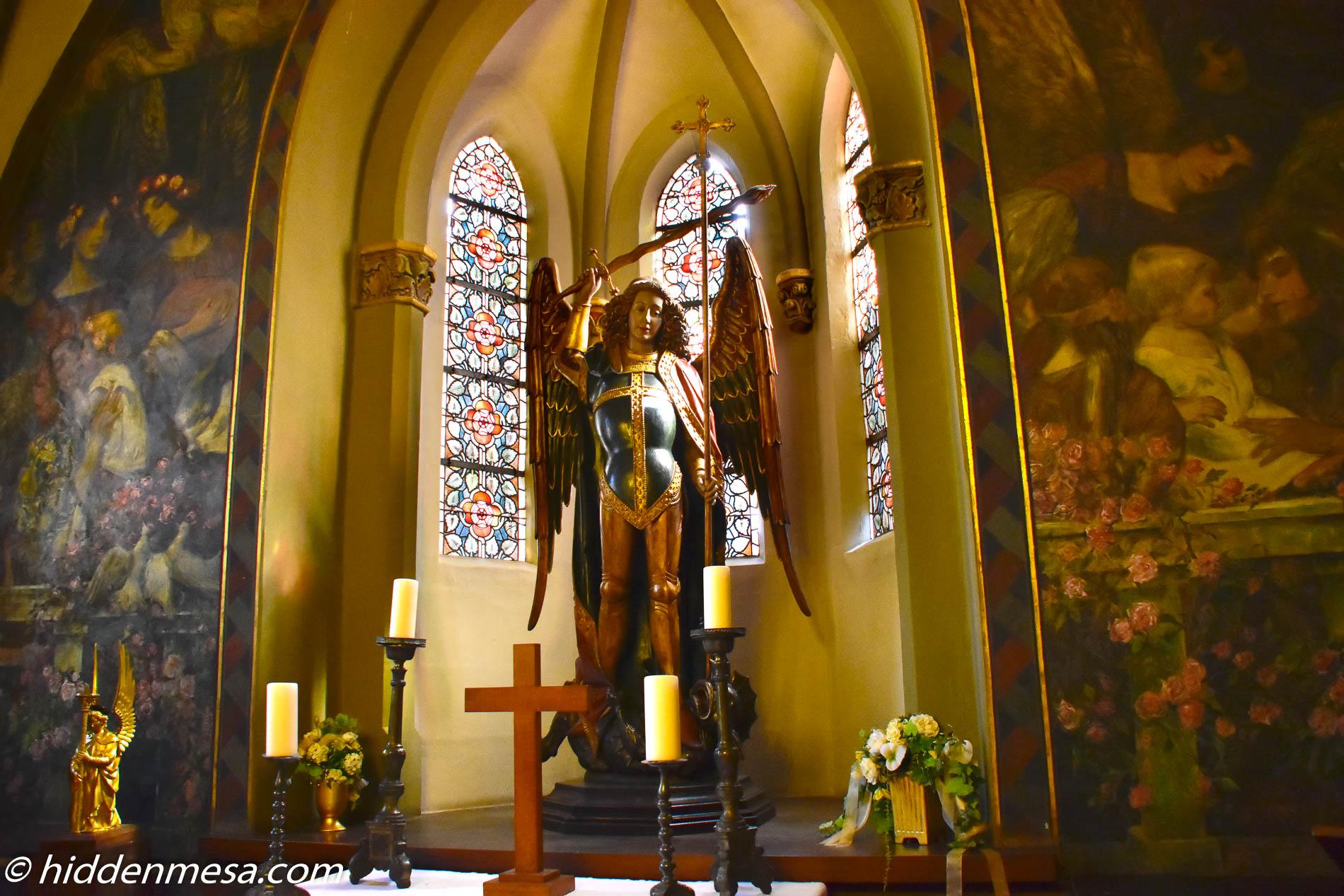 Angel at Schloss Burg
