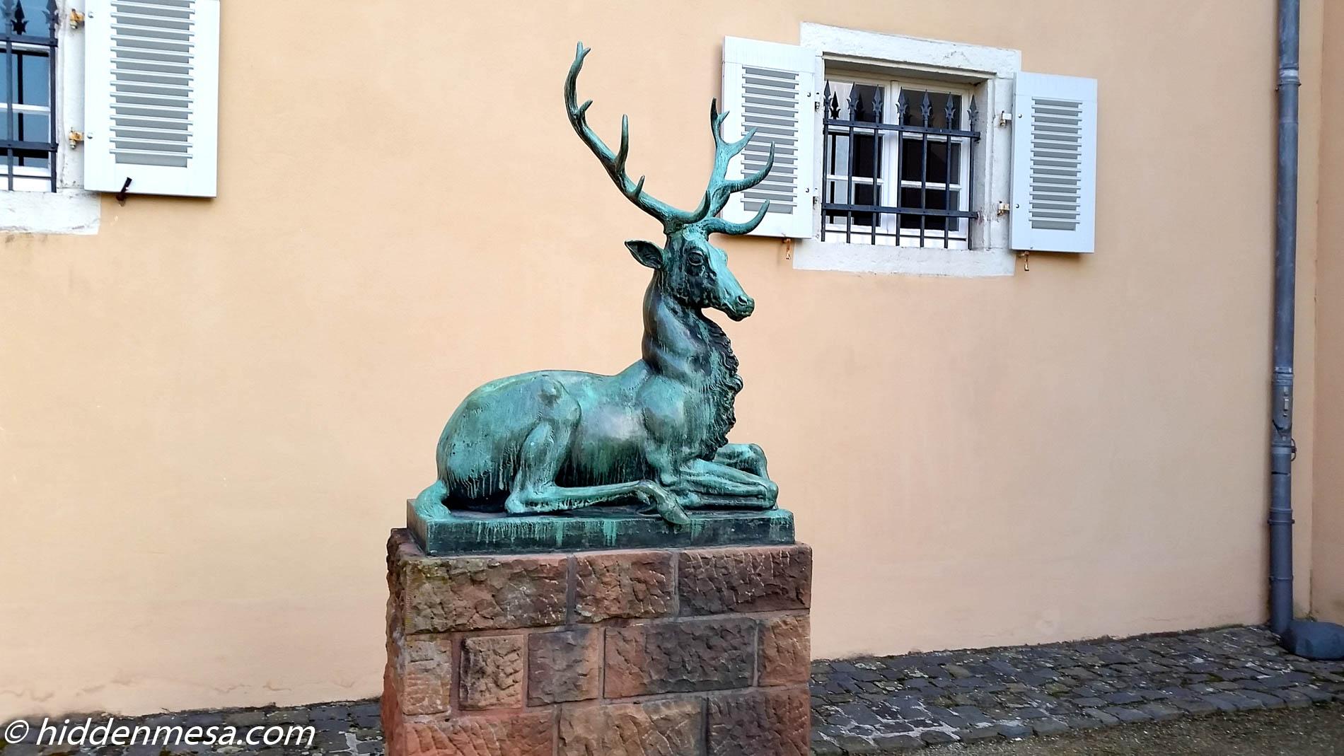 Stag Statue Hotel Jagdschloss Kranichstein