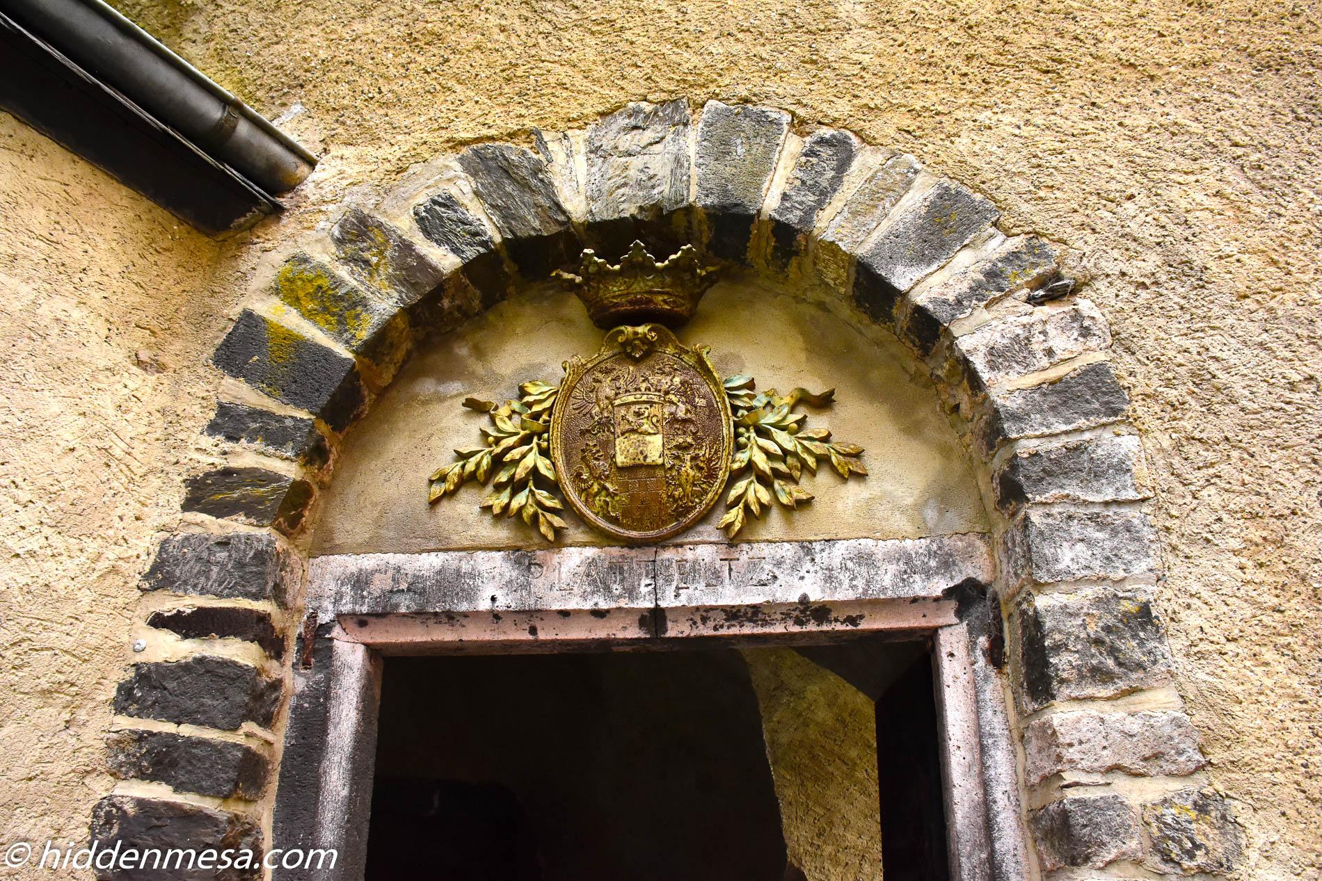 Castle Eltz Crest