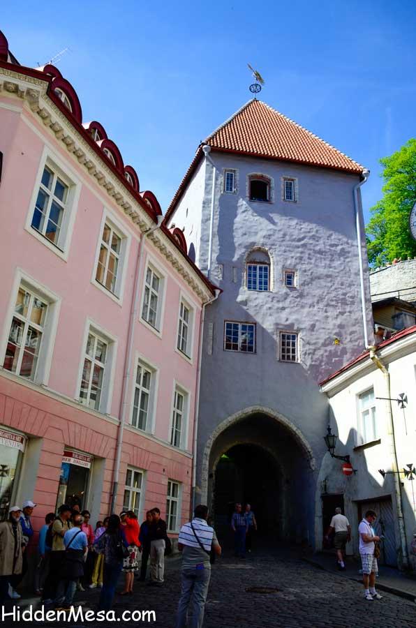 Gate Tower to Longleg Street