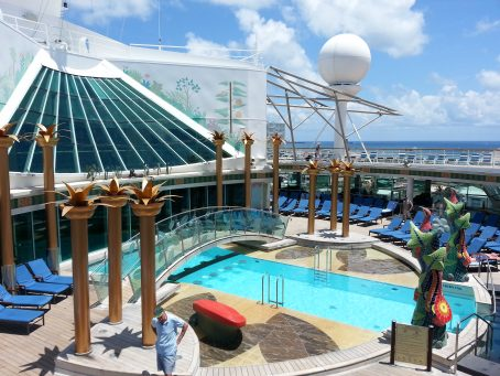 One of the many pools on deck 12 (of 15 total) on Royal Caribbean's Independence of the Seas. Image by Bonnie Fink.