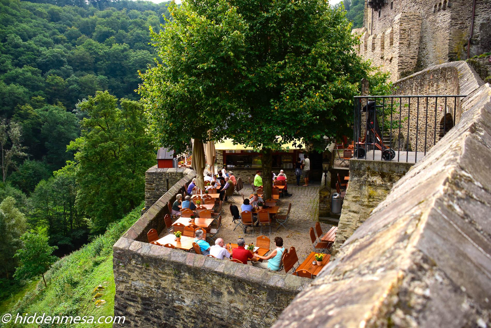 Restaurantat Burg Eltz