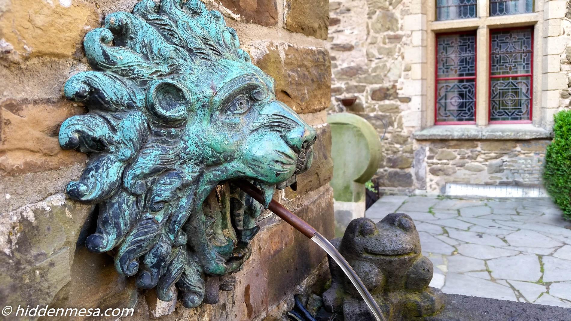 Fountain at Schloss Burg